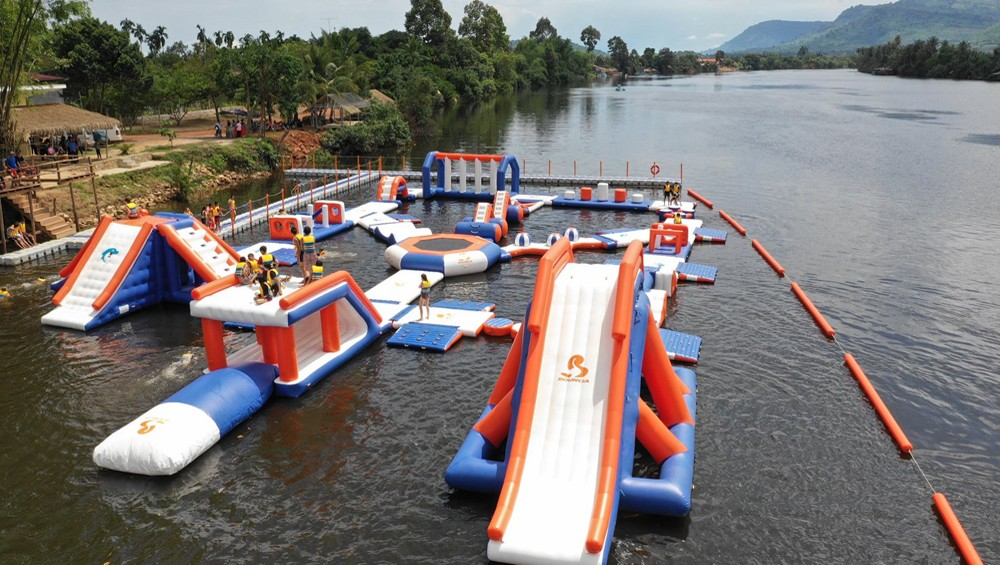 inflatable water floating playground