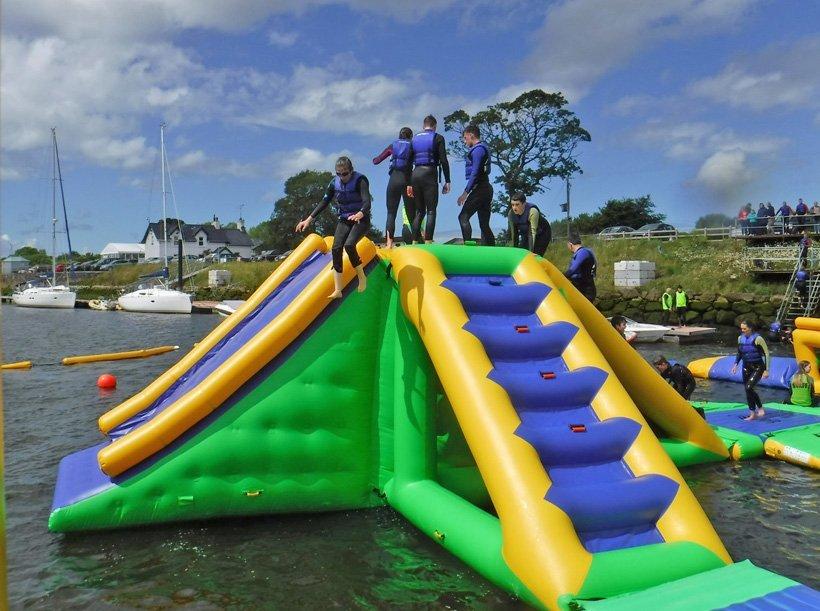 Custom waterpark inflatable water games sea Bouncia